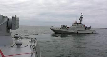 Украинские военные продолжат ходить через Керченский пролив, – Хомчак