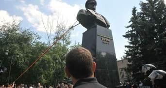 Как повлияет на рейтинги восстановление памятника Жукову в Харькове: мнение эксперта