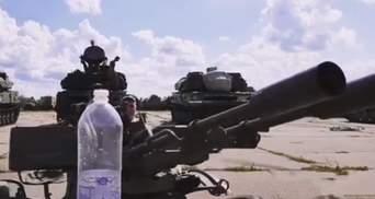Як відкрити пляшку дулом зенітки: відео майстер-класу від бійця ЗСУ