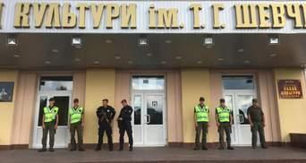 Нарушения и спецназовцы в округе, где проигрывает Пашинский: что известно на данный момент