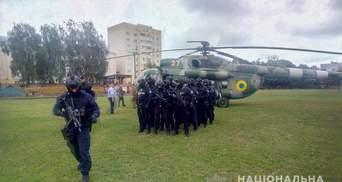Вертолет на округе, где проигрывает Пашинский: его нашли на стадионе – фотодоказательство
