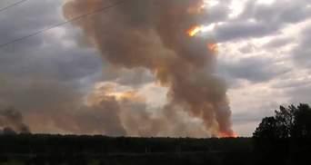 Взрывы на военных складах под Ачинском: в Минобороны РФ назвали предварительную причину