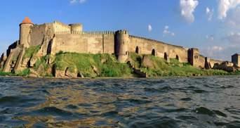 Мощные ливни в Одесской области нанесли вред легендарной Аккерманской крепости: фото