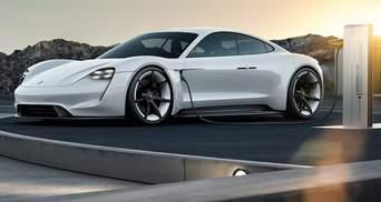 """Перший електрокар компанії Porsche Taycan випробували на """"витривалість"""": неймовірне відео"""