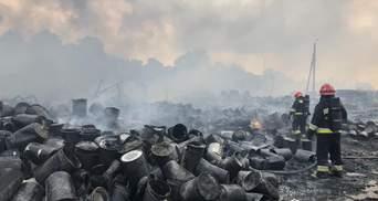 Масштабна пожежа під Львовом: загрози для населення немає
