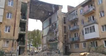 Обвал дома в Дрогобыче: как люди забирают свои вещи из аварийных квартир