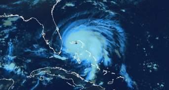 Створили відео із ураганом Доріан: можна розгледіти навіть блискавки