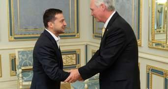 Зеленський зустрівся із американськими сенаторами: про що говорили