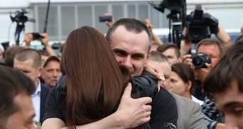 Трогательная встреча освобожденных из плена украинцев: эмоциональные фото