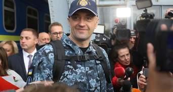 Звільненого моряка зворушливо зустріли у Львові: фото, відео