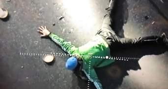 """ЗМІ знайшли дівчину, з якою вимагав розмови """"мінер"""" мосту у Києві – фото"""