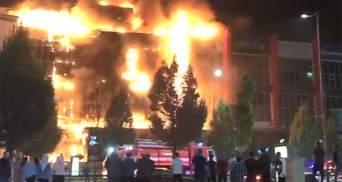 У Грозному загорівся найбільший торговий центр Чечні: відео