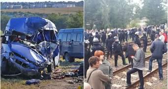 Головні новини 21 вересня: 9 загиблих у ДТП під Одесою і затримання активістів на Львівщині