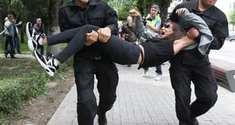 Протести у Казахстані: поліція жорстоко затримала понад 70 людей