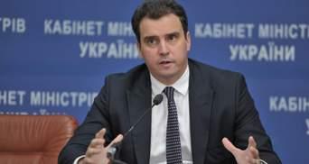 Абромавичус: Щоб армія отримувала озброєння чесно і без відкатів, частину оборонки приватизують