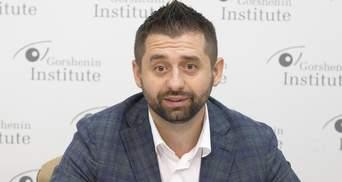 Арахамия – за, Баканов – против: заберут ли у СБУ право заниматься экономикой