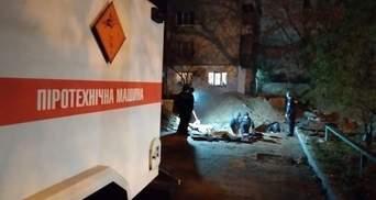 Як рятувальники діставали понад 100 боєприпасів поблизу Шулявського мосту: відео