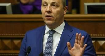 """Парубій дав свідчення щодо Майдану: """"Дівчата тримались за руки, а їх били палицями по голові"""""""