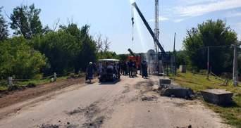 Розведення військ на Донбасі: у Петрівському почали демонтувати фортифікації