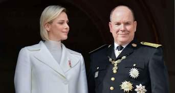 Королевская семья Монако показала официальное рождественское фото