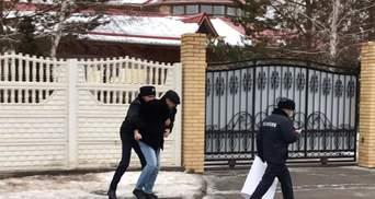 Казахстанский художник хотел извиниться за российский Крым Токаева, его схватили