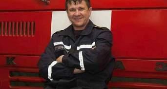 Пожар в Одессе на Троицкой: умер спасатель, на которого упала студентка
