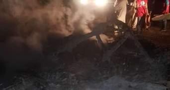 В Судане во время взлета упал военный самолет украинского производства: есть жертвы, фото