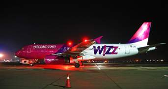 Самолет, летевший во Львов, совершил экстренную посадку из-за неисправности: детали
