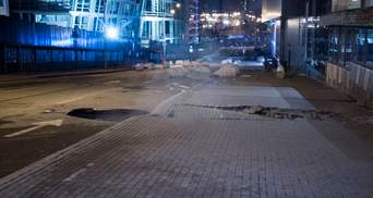 Біля Ocean Plaza в Києві з'явився ще один провал в асфальті: фото і відео