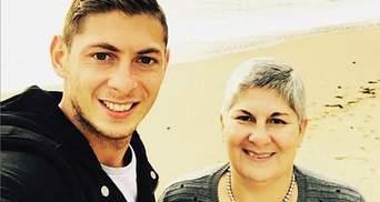 Боль не утихает, она никогда не исчезнет, – мама погибшего футболиста Эмилиано Сала