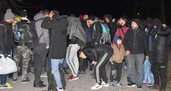 Сирійські біженці масово прямують до кордону з Європою: фото, відео