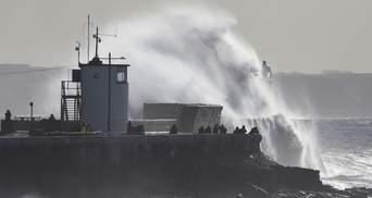 Велику Британію накрив потужний шторм Хорхе: фото, відео
