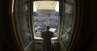 Папа Римський проведе недільну службу в онлайн-трансляції через коронавірус