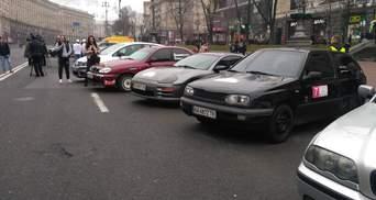 В центре Киева устроили большое авторалли для женщин: яркие кадры