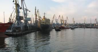 Под Бердянском стоит судно, у пассажиров которого подозревают наличие коронавируса