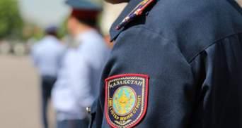 В Казахстане пранкер делал вид, что болеет коронавирусом и пугал людей: его арестовали
