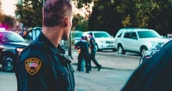 В США полицейские попросили не совершать преступлений во время пандемии коронавируса
