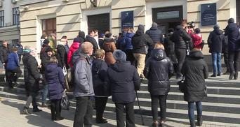 Предприниматели устроили митинг в Запорожье из-за запрета торговли во время карантина: фото