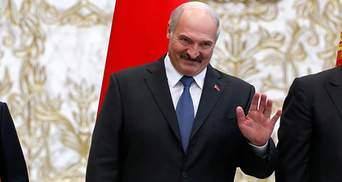 Пусть там и сидят: Лукашенко не хочет эвакуировать белорусов из-за границы – видео