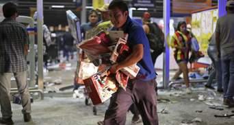 У Мексиці люди в паніці масово грабують супермаркети через кризу: відео