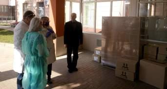 Предприятие Бахматюка на Прикарпатье закупило оборудование и материалы для местных больниц