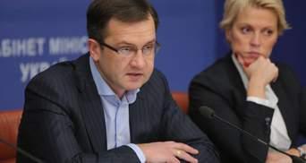 Игорь Уманский, уходя в отставку, показывает свою слабость на этом посту, – политтехнолог