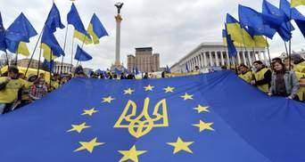 Сколько украинцев поддерживают вступление в НАТО и ЕС: результаты опроса