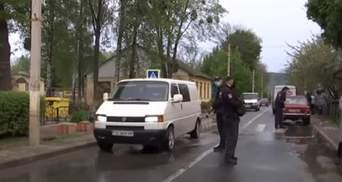 В Черновцах пикетировали больницу, где лежат больные COVID-19: что известно