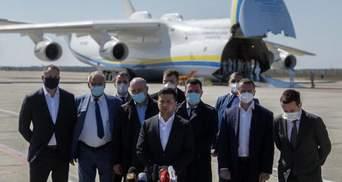 """У Зеленського пояснили, чому президент особисто зустрічав літак з вантажем для """"Епіцентру"""""""