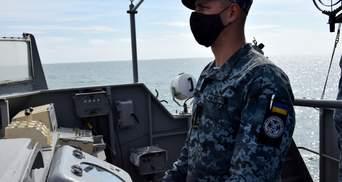 Як морські прикордонники вчились обороняти узбережжя Азовського моря: потужне відео