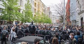 Багатотисячні мітинги проти карантину пройшли у Німеччині: фото та відео