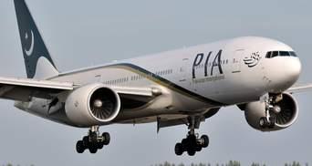 Авіакатастрофа у Пакистані: небезпечний напрямок та старі літаки