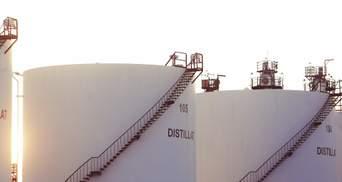 Ціни на нафту впали ще більше: чому сировина дешевшає вже другий день поспіль