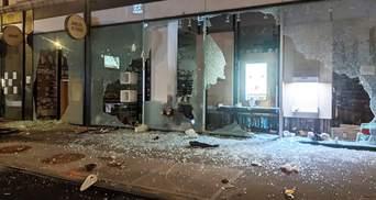 Массовые протесты в США: на Манхэттене разграбили ряд магазинов – видео